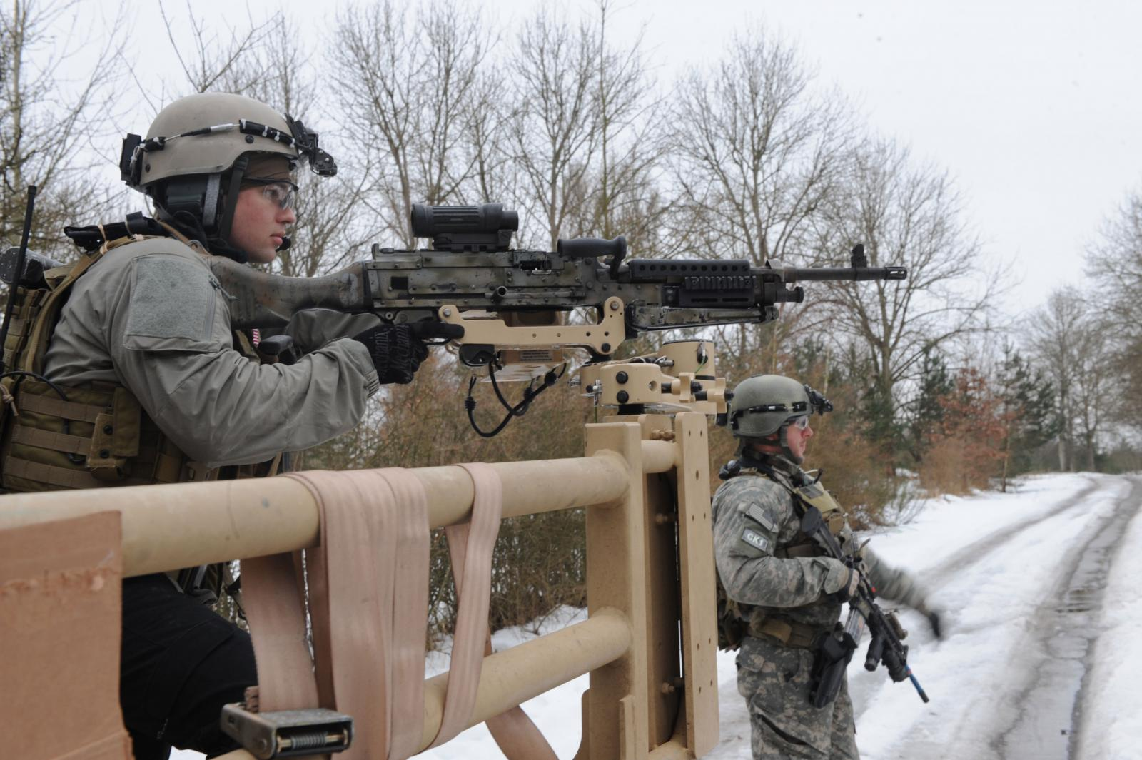 special-forces-m240-hr.jpg