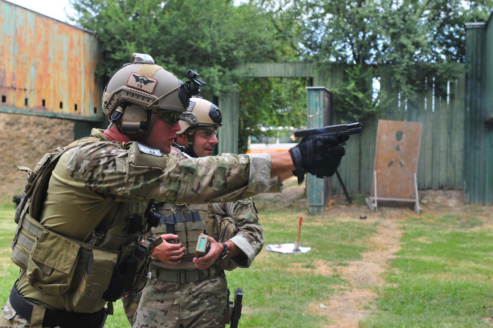 special-forces-glock-hr.jpg